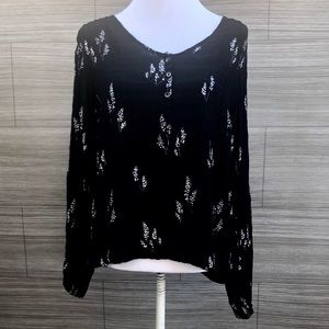 Universal Thread Floral Blouse Size Large